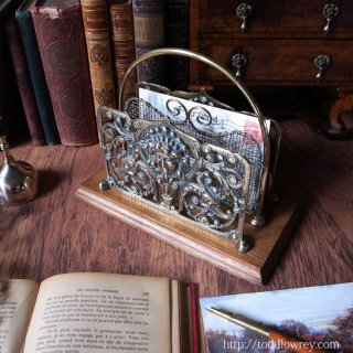 海の女神のレターラック / Antique Brass & Oak Letter Rack by William Tonks & Sons