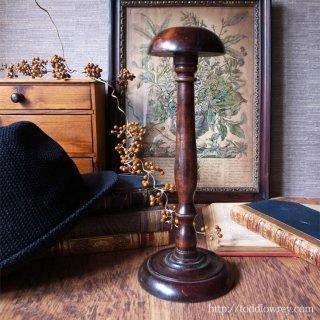 ヘッドウェアの為の美しき架台 / Antique Hat Stand(Wig Stand)