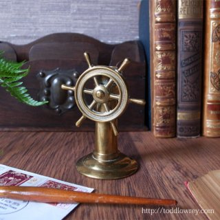 舵輪を廻して何処を目指そう / Vintage Brass Compass with Ship's Wheel