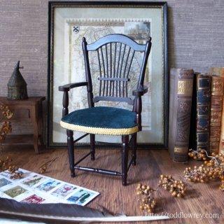 英国家具のエッセンスを少しだけ / Vintage Miniature Arm Chair