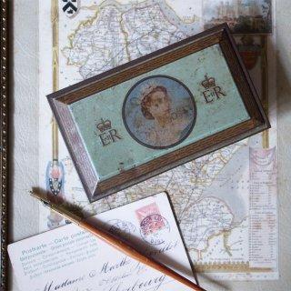 エリザベス女王の戴冠を記念して / Vintage Cigaretts Tin Box