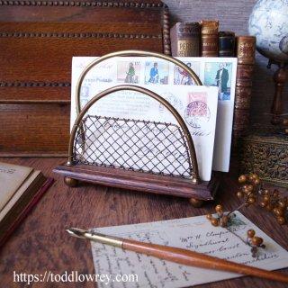 重なるメッシュの向こう側 / Antique Victorian Brass Mesh Letter Rack
