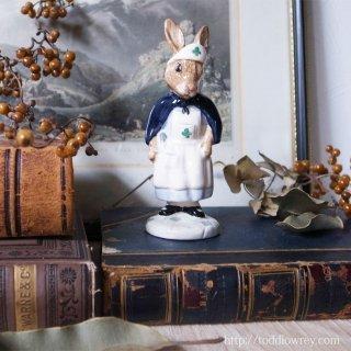 ヴィクトリア時代のウサギナース / Vintage Royal Doulton