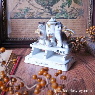 ちょうど良い熱さのお茶はいかが / Antique Victorian Cat Fairing