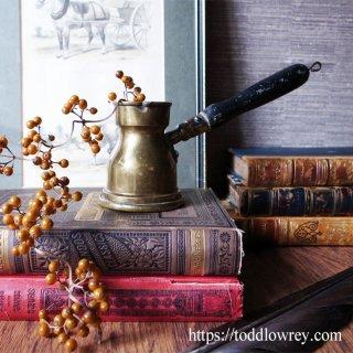 一息ついてコーヒー占いはいかが? / Antique Brass Coffee Brewing Pan(Ibrik)
