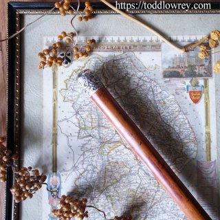ヴィクトリアンのロンドンから来た飴色の杖 / Antique Victorian Walking Stick with Malacca Cane