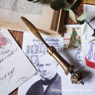優美で可憐な卓上の華 /Antique Brass Letter Opener