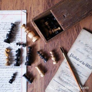 19世紀パリのカフェ生まれのチェスメン/ Antique Regency Style Chessmen with the Box
