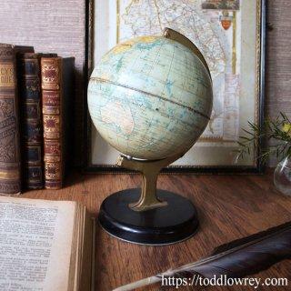 歴史の残り香を纏う球体 / Antique CHAD VALLEY World Globe