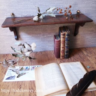 ミニマムな英国アンティーク家具 / Antique Oak Wall Shelf