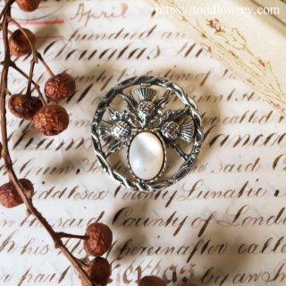 胸元を飾る三本のアザミ / Vintage Brooch