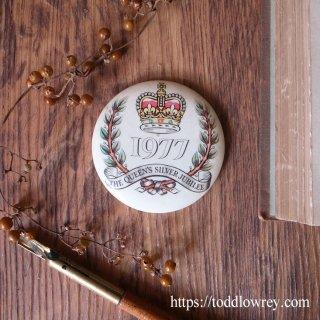 エリザベス女王即位25周年を祝う / Vintage Badge The Queen's Silver Jubilee 1977
