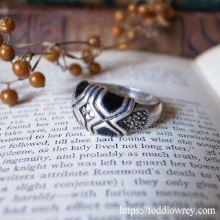アールデコ・モダンな魔除けの指輪 / Vintage Onyx & Marcasite Sterling Silver Ring