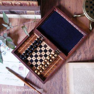 鏡の国のチェスセット / Vintage Travel Chess Set