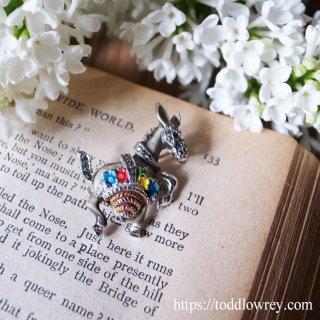 花売りのロバに癒されよう / Vintage Brooch