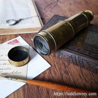 我々は過去は望遠鏡で眺める / Antique 3draw Collapsible Brass Telescope