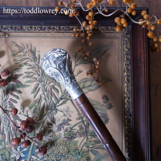 銀のロココを掲げたヤマウズラの杖 / Antique Walking Stick with Rococo Style Starling Silver Grip