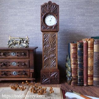 小さなのっぽの古時計 / Antique Carved Mahogany Grandfather Clock Design Pocket Watch Stand