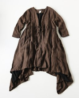 GARMENT REPRODUCTION OF WORKERS NATACHA LONG BROWN