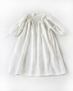the last flower of the afternoon 零れた光embroidery round yoke dress