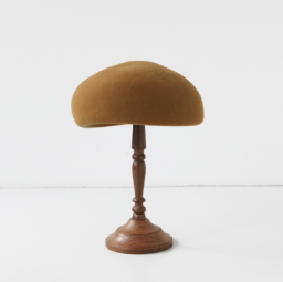 mature ha. japanese old wooden block beret MUSTARD 19AW<img class='new_mark_img2' src='//img.shop-pro.jp/img/new/icons5.gif' style='border:none;display:inline;margin:0px;padding:0px;width:auto;' />