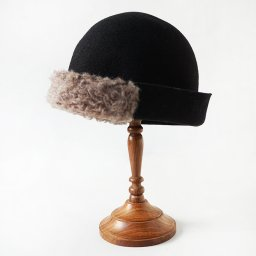 mature ha. free hat boa  black . 19AW<img class='new_mark_img2' src='//img.shop-pro.jp/img/new/icons5.gif' style='border:none;display:inline;margin:0px;padding:0px;width:auto;' />