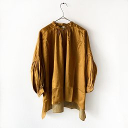 <img class='new_mark_img1' src='//img.shop-pro.jp/img/new/icons5.gif' style='border:none;display:inline;margin:0px;padding:0px;width:auto;' />suzuki takayuki puff-sleeve blouse light brown (19aw )
