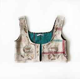 <img class='new_mark_img1' src='//img.shop-pro.jp/img/new/icons5.gif' style='border:none;display:inline;margin:0px;padding:0px;width:auto;' />TOWAVASE kantha vest(19AW)