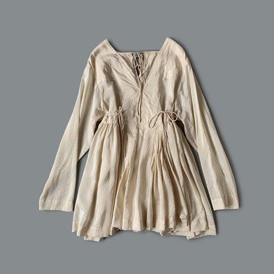TOWAVASE  Artisan blouse silk ivory (2020SS)