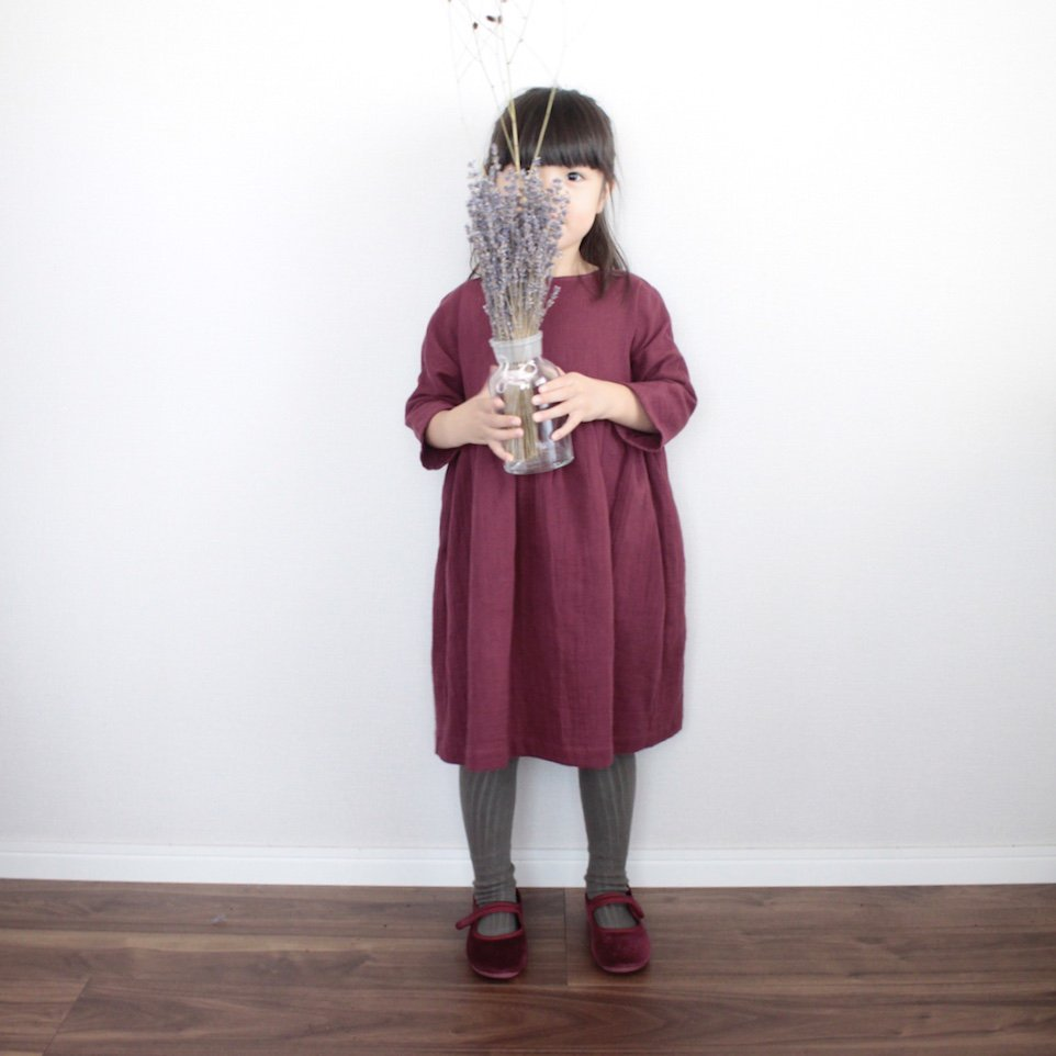 <img class='new_mark_img1' src='https://img.shop-pro.jp/img/new/icons14.gif' style='border:none;display:inline;margin:0px;padding:0px;width:auto;' />Dolman sleeve dress