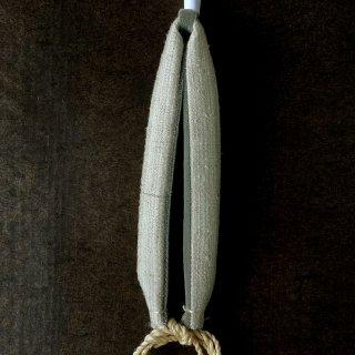 H.P.E.谷由起子 ラオスのシルク 花緒 2 薄い灰色