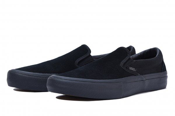 SLIP-ON PRO BLACKOUT
