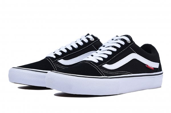 OLD SKOOL PRO BLACK/WHITE