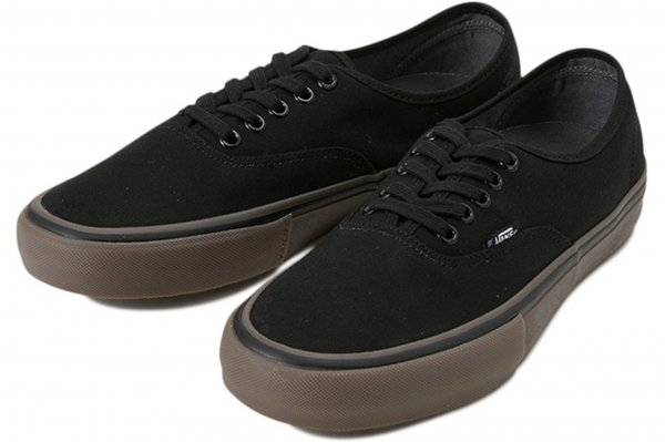 AUTHENTIC PRO (CANVAS) BLACK/GUM<img class='new_mark_img2' src='//img.shop-pro.jp/img/new/icons32.gif' style='border:none;display:inline;margin:0px;padding:0px;width:auto;' />