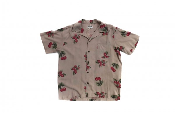 70's cherry aloha shirts<img class='new_mark_img2' src='//img.shop-pro.jp/img/new/icons38.gif' style='border:none;display:inline;margin:0px;padding:0px;width:auto;' />