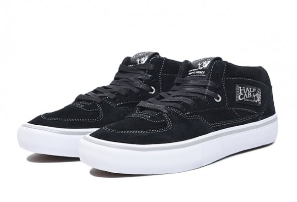 HALF CAB PRO (25TH) BLACK/SILVER<img class='new_mark_img2' src='//img.shop-pro.jp/img/new/icons32.gif' style='border:none;display:inline;margin:0px;padding:0px;width:auto;' />