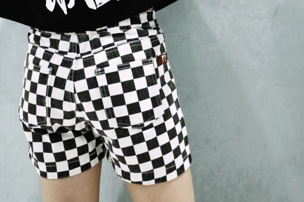Girls Checker Half Pants (CHECKERBOARDATTACK)
