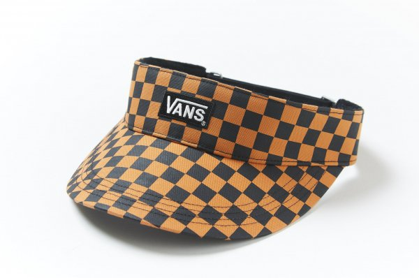 Box Logo Canvas Sunvisor (CHECKERBOARDATTACK)<img class='new_mark_img2' src='//img.shop-pro.jp/img/new/icons32.gif' style='border:none;display:inline;margin:0px;padding:0px;width:auto;' />