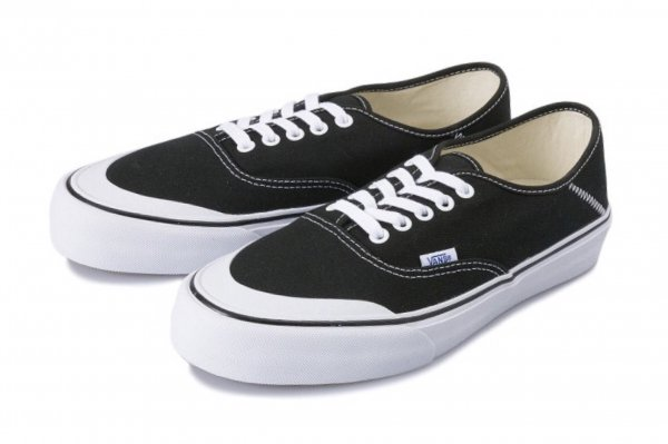 Authentic SF black/white