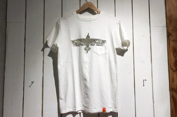 BIRD SYMBOL TEE<img class='new_mark_img2' src='//img.shop-pro.jp/img/new/icons38.gif' style='border:none;display:inline;margin:0px;padding:0px;width:auto;' />
