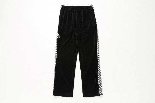 <img class='new_mark_img1' src='//img.shop-pro.jp/img/new/icons41.gif' style='border:none;display:inline;margin:0px;padding:0px;width:auto;' />OTW Embroideried Velour Track Pants(Safari5月号掲載商品)