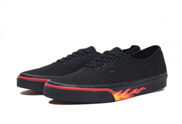 Authentic (Flame Wall) black/black