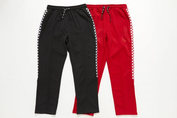 <img class='new_mark_img1' src='//img.shop-pro.jp/img/new/icons41.gif' style='border:none;display:inline;margin:0px;padding:0px;width:auto;' />Checker Sports Track Pants
