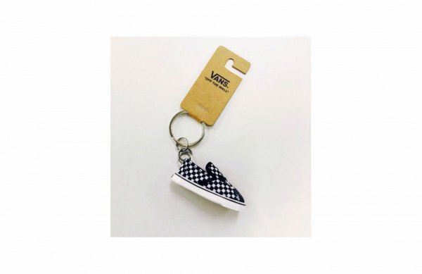 PUNK MICKEY SLIP ON KEYCHAIN BLACK(DISNEY)
