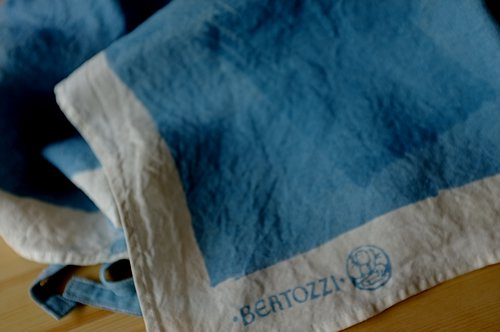 エプロン/麻/ベルトッツイ/リネン/イタリア/BERTOZZI 【ピエノ】ブルー【画像6】