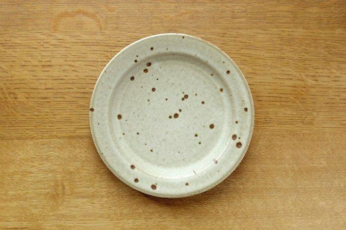 リム中皿(6寸)/粉引き ヤマシタマユ美