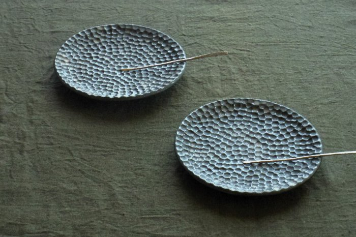 菓子皿/黒結晶水玉 加藤あゐ