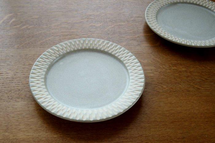 リム中皿(6寸)/しのぎグレー ヤマシタマユ美
