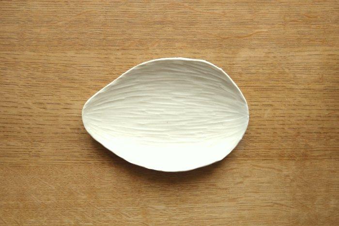 リーフ皿(大)/灰マット ツキゾエハル