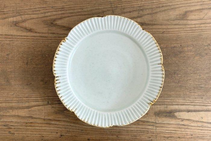 しのぎ輪花リム皿(6.5寸)/灰釉 水谷和音